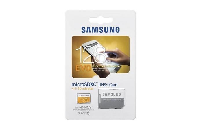 Kit com cartão de memória micro SD de 128 GB e adaptador SD (Foto: Divulgação/Samsung)