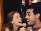 Marina Ruy Barbosa e Xandinho Negrão se divertem em karaokê; vídeo