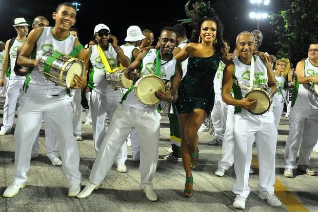 Quitéria Chagas, rainha de bateria da Império Serrano, no ensaio técnico no Sambódromo (Foto: Roberto Teixeira/ EGO)