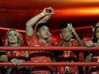 Neymar e Bruna Marquezine assumem namoro em plena Marquês de Sapucaí
