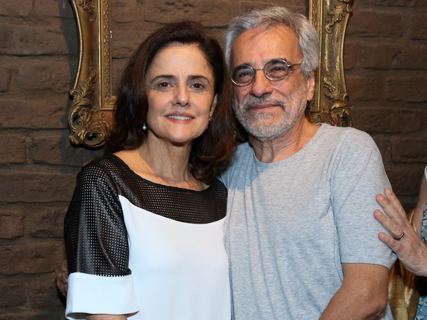 Marieta Severo e o marido, Aderbal Freire Filho, em peça na Zona Sul do Rio (Foto: Roberto Filho/ Brazil News)