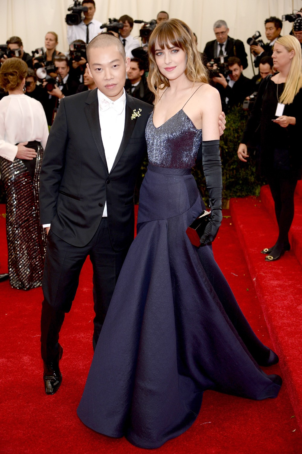 Em seu primeiro gala do Met, em 2014, de Jason Wu com o estilista (Foto: Getty Images)