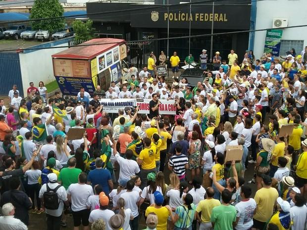 Manifestação Tocantins - Araguaína (Foto: Marcos Humberto/TV Anhanguera)