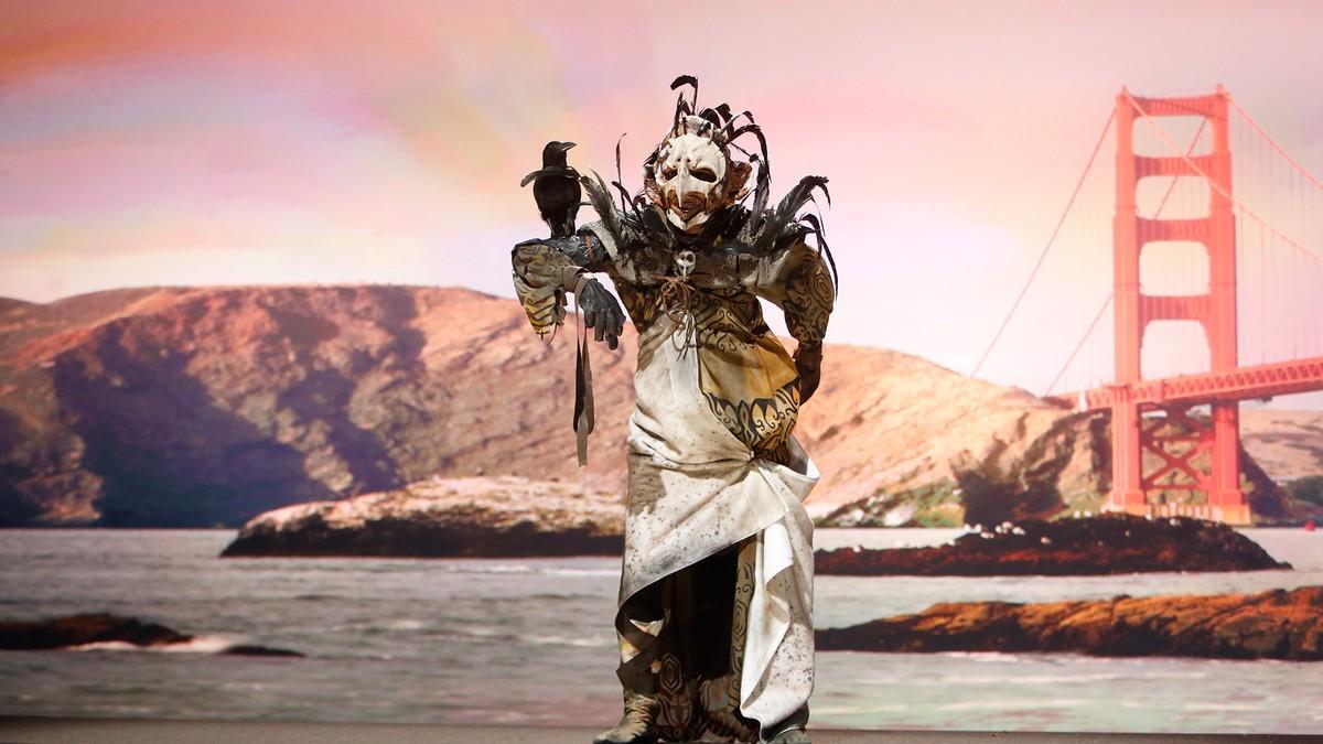 O troll de Logan foi inspirado na ponte Golden gate em San Francisco. (Foto: Syfy)