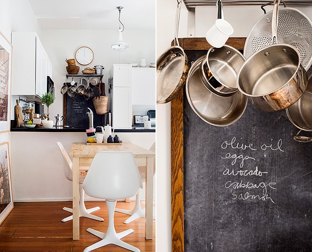 Na cozinha, panelas penduradas e quadro-lousa (Foto: Divulgação/Cindy Loughridge)