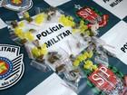 PM apreende jovens 'abastecendo' ponto de tráfico de drogas em Jundiaí
