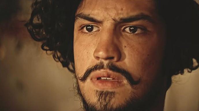 Miguel chama Carlos de bandido e covarde (Foto: TV Globo)