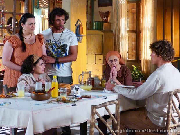 Maria Adília acaba com as esperanças de Candinho (Foto: Flor do Caribe / TV Globo)
