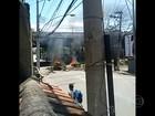 Moradores protestam por falta de energia em diversas localidades do RJ