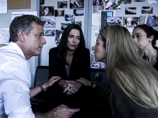 A jornalista comenta excelente recepção que recebeu do elenco (Foto: Estevam Avellar/Globo)