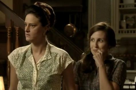 Dona Conceição (Claudia Missura) e Creotina (Luana Martau) de 'Joia rara' (Foto: TV Globo)