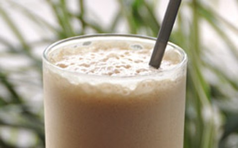 Café com leite condensado e gelo