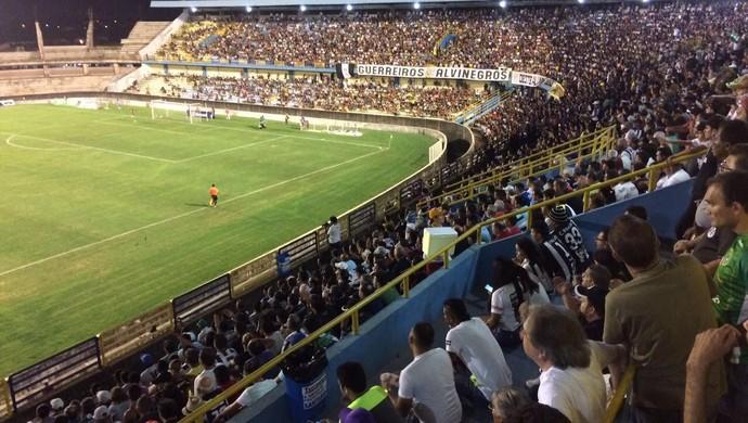 São Raimundo e Paysandu empataram em 0 a 0 no Colosso do Tapajós (Foto: Adonias Silva/GloboEsporte.com)
