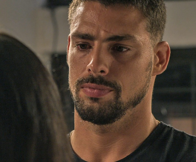 Juliano é duro com Tóia (Foto: TV Globo)