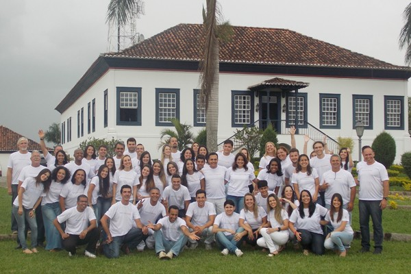 Colaboradores da TV Rio Sul gravaram Mensagem de Fim de Ano (Foto: Divulgação TV Rio Sul)