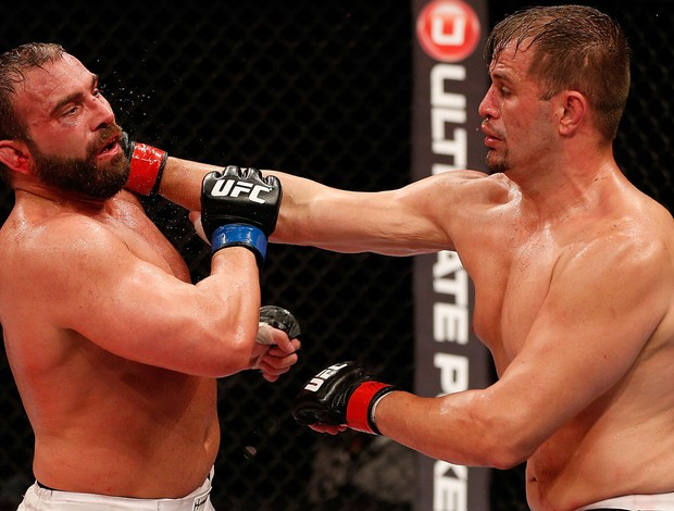 UFC Fabio Maldonado e Roger Hollett (Foto: Agência Getty Images)