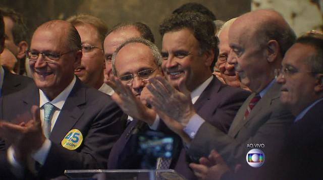 Aécio Neves recebe o apoio do PSB, PV e PSC