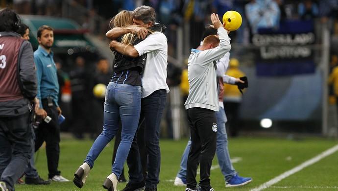Carol Portaluppi Renato Gaúcho Grêmio x Cruzeiro Arena (Foto: Lucas Uebel/Grêmio/Divulgação)