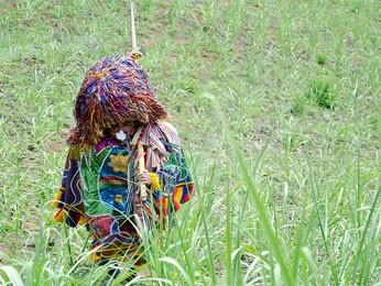 Caboclo de lança do Maracatu Cambinda Brasileira (Foto: Chico Ludermir/Divulgação Fundarpe)