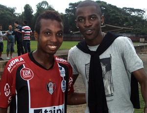 Ramires visita o Joinville (Foto: Divulgação / Site Joinville E.C)