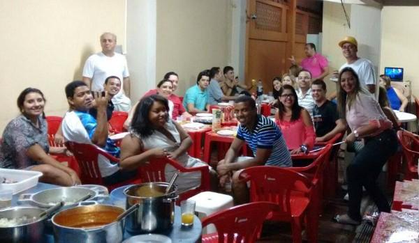 Colaboradores se reuniram para um jantar descontraído (Foto: Diego Souza/G1 Vales)