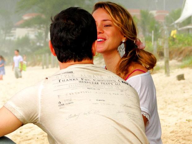 Leandra se diverte nos intervalos das gravações (Foto: Cheias de Charme / TV Globo)