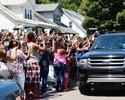 Vinte mil pessoas dão último adeus  emocionado à lenda Muhammad Ali