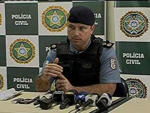 Ex-comandante da UPP da Rocinha é levado para presídio no Rio (Foto: Reprodução/ TV Globo)
