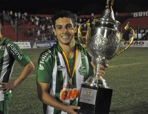 Alex Telles foi campeão com o Juventude da Copa FGF (Foto: Divulgação/Juventude)