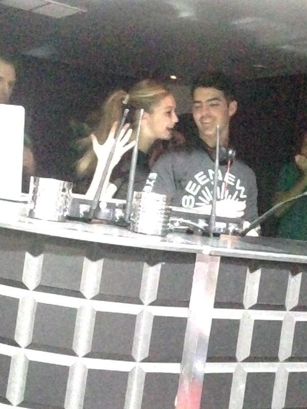 Joe Jonas e Gigi Hadid (Foto: Reprodução / Twitter)
