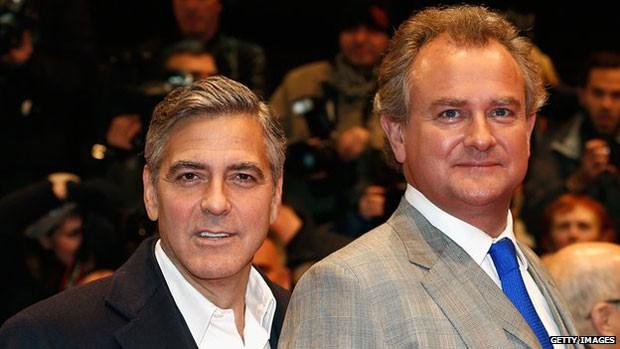 George Clooney é amigo de ator Hugh Bonneville, do elenco e já declarou ser fã de 'Downton Abbey' (Foto: BBC)