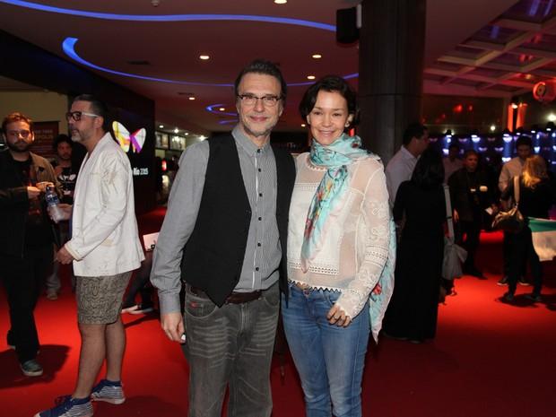 Fernando Eiras e Júlia Lemmertz em pré-estreia de filme na Zona Sul do Rio (Foto: Felipe Assumpção/ Ag. News)