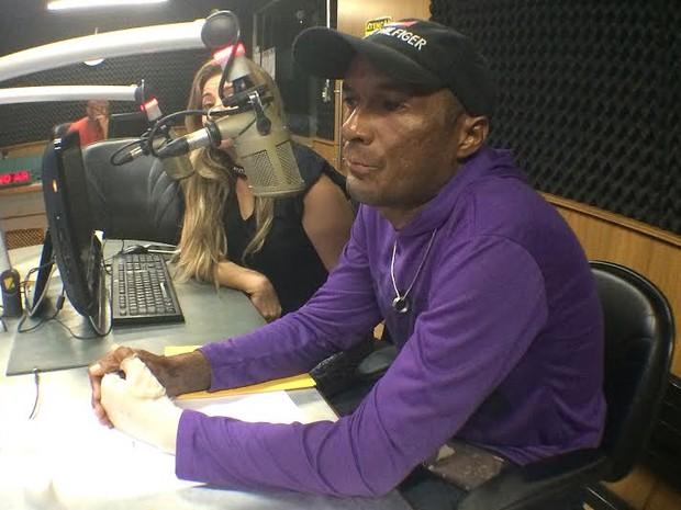 Márcio Ronny participou de programa na Rádio Mirante nesta quinta-feira (19) (Foto: Maurício Araya / G1)