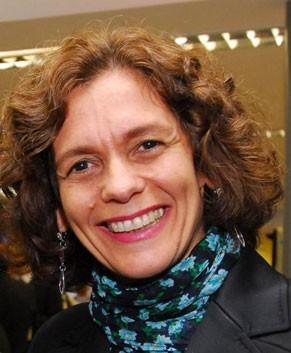 Teresa Garcia é Editora Chefe do Jornal Hoje (Foto: Acervo Pessoal)