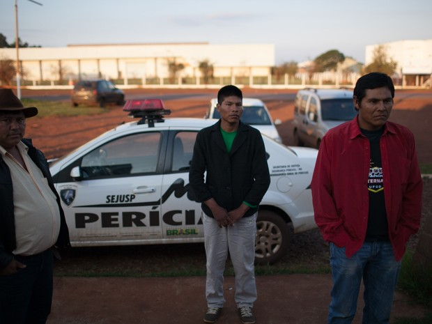 Indígenas feridos em confronto fazem exame de corpo de delito em MS (Foto: Divulgação)