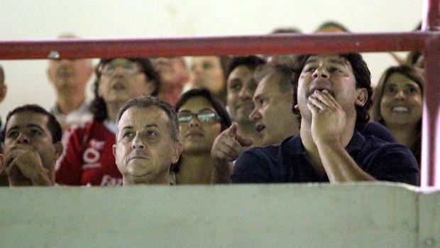 Ocimar Bolicenho Marcus Vinícius dirigentes Ponte Preta semifinal Mogi Mirim x Santos (Foto: Rafael Bertanha / E aí? Produções)