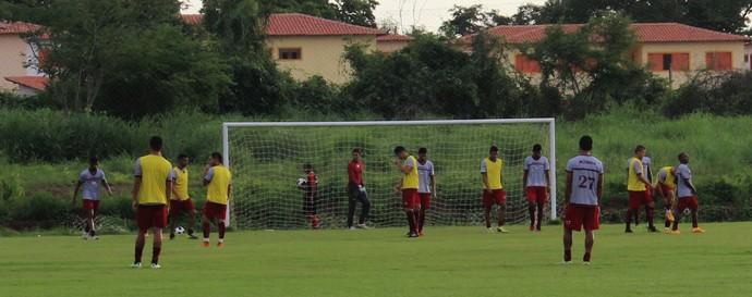 Treino River-PI contra Botafogo-PB  (Foto: Joana D'arc Cardoso/GloboEsporte.com )