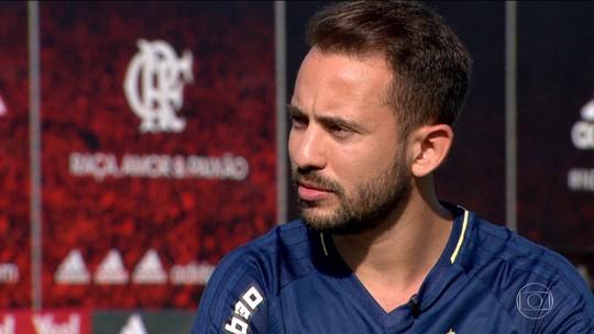 """Éverton Ribeiro: """"Sei que jogador do Fla sempre vai ser cobrado"""""""