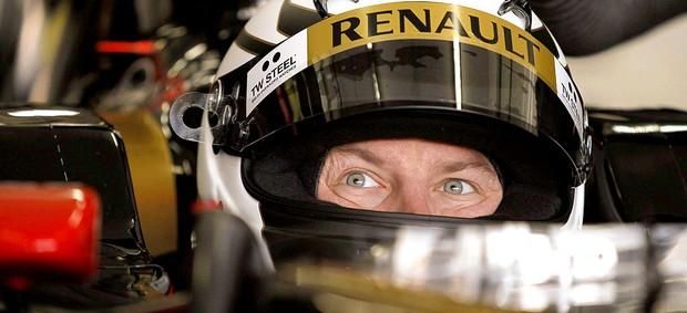 Kimi Raikkonen no treino da Lotus (Foto: EFE)