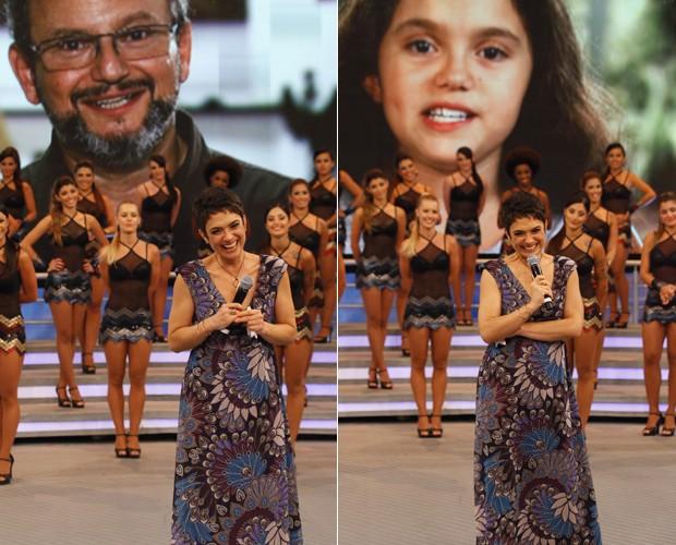 A jornalista confere os depoimentos do marido e da filha (Foto: Domingão do Faustão / TV Globo)
