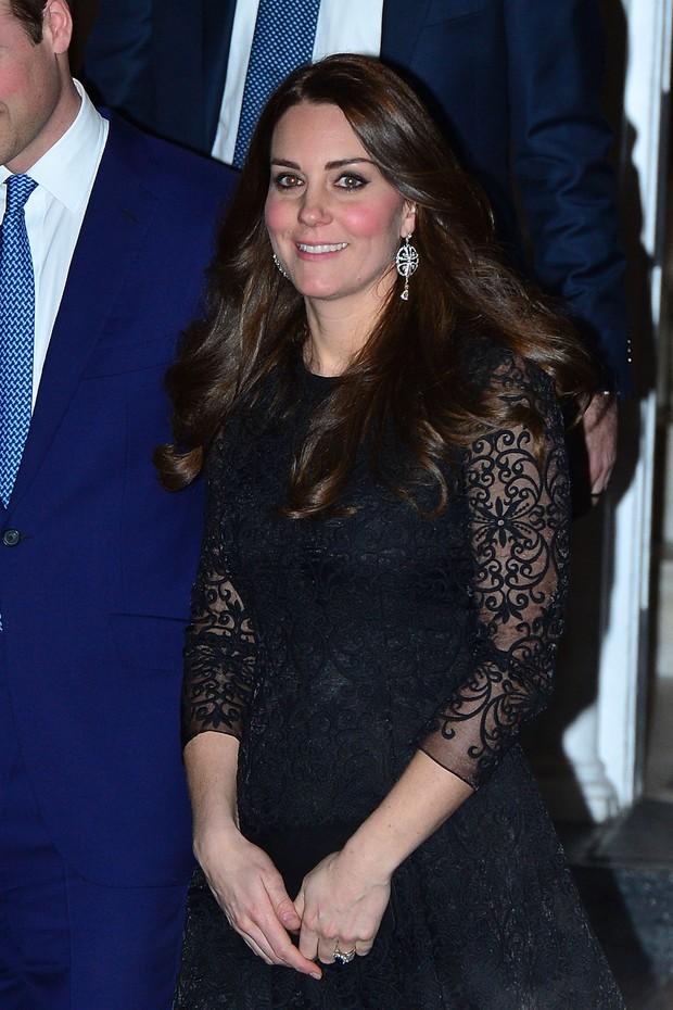 Confirmou: segundo filho de Kate Middleton e Príncipe William é menina