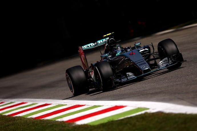 Nico Rosberg em ação no treino classificatório para o GP da Itália (Foto: Getty Images)