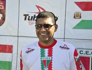 Treinador Narciso do CEOV Mato Grosso (Foto: Robson Boamorte)