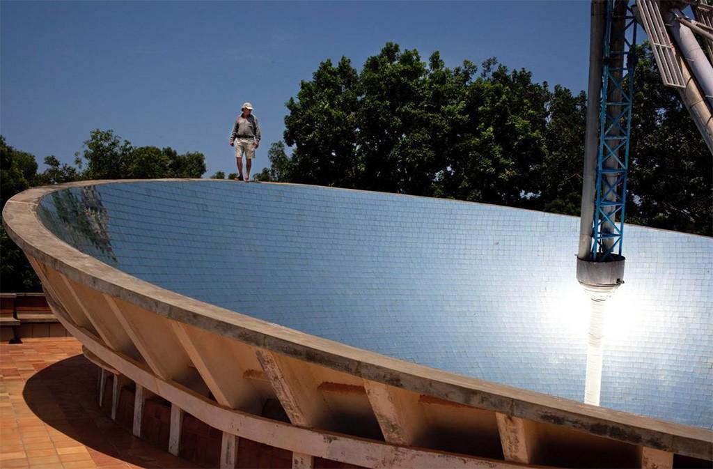 Painéis solares garantem energia gratuita para toda a comunidade (Foto: Divulgação)