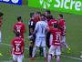 """Junio lamenta decisão de Diego Real: """"O 4º árbitro falou que não foi pênalti"""""""