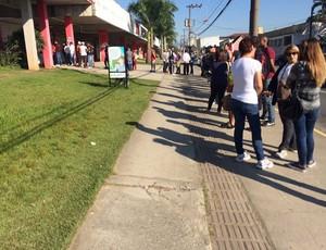 Fila ingresso Arena Joinville (Foto: Divulgação / JEC)