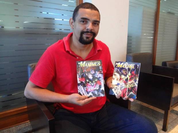Alan Yango, desenhista e roteirista paraense criador do super herói Maximus (Foto: Evandro Santos/G1)