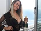 Veja mais fotos de Mulher Melão em sua nova casa
