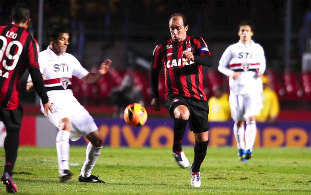 Paulo Baier São Paulo x Atlético-PR (Foto: Marcos Ribolli / Globoesporte.com)
