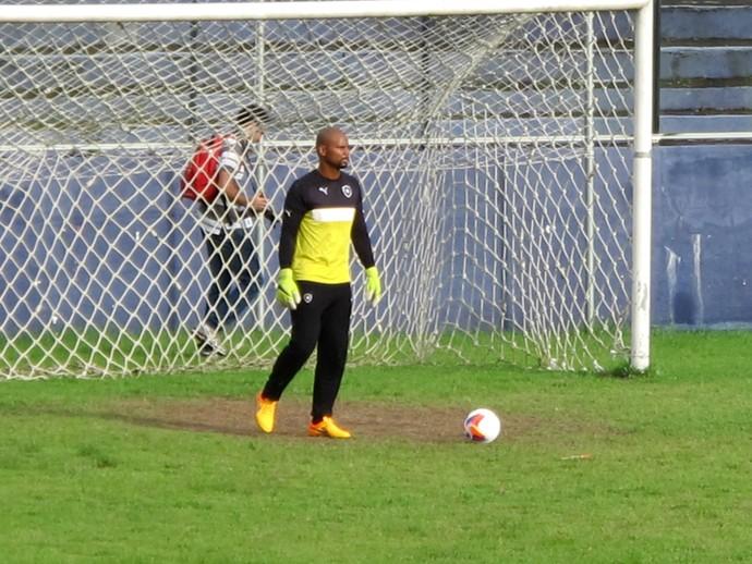 Goleiro Jefferson no treino do Botafogo em Belém (Foto: Gustavo Rotstein / GloboEsporte.com)